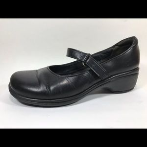 Clarks Artisan Leather Mary Janes 7.5M